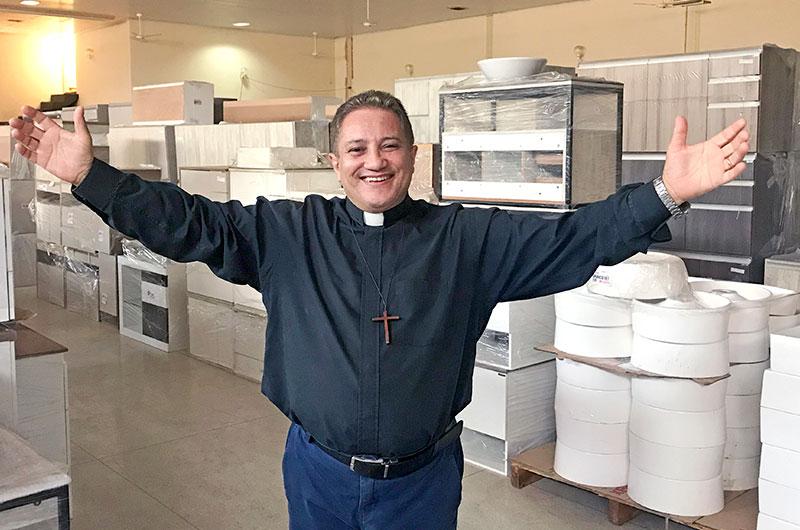 Cozimax realiza Feirão em prol ao Hospital de Base e Paróquia Santa Rita de Cássia